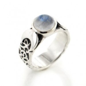 lunar-phase-moonstone-ring